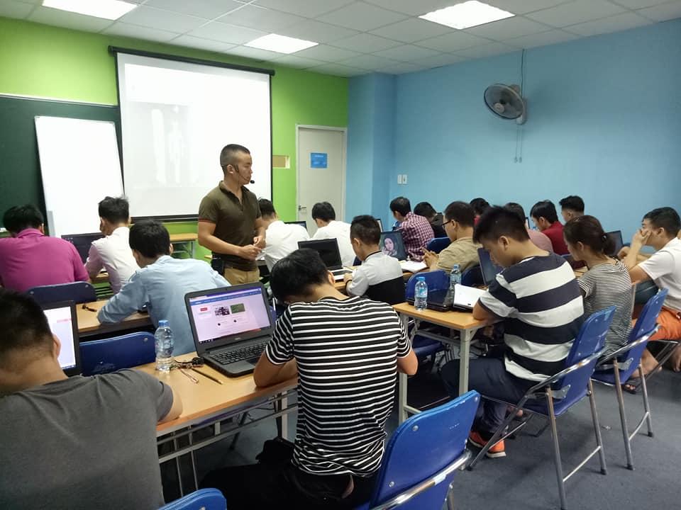 Học lập trình web đi làm unitop.vn